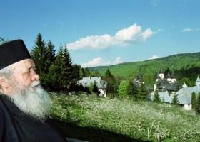 A trecut la Domnul Părintele Victorin Oanele, starețul Mănăstirii Sihăstria