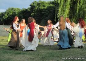 Dansul domnițelor, magnet pentru cavaleri