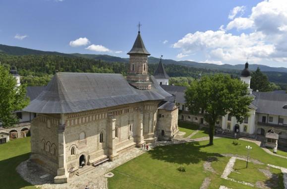 Manastirea-Neamt-si-anexe-4006