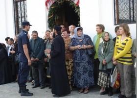 Jandarmii asigură ordinea și siguranța publică la denii și la slujba de Înviere