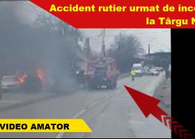 O mașină a luat foc, în urma unui accident rutier